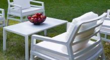 VEBO | Großhandel von Stühlen und Tischen für Gastronomie Outdoor Chairs, Outdoor Furniture Sets, Outdoor Decor, Terrazzo, Garden Design, Home Decor, Asia, Tables, Photos