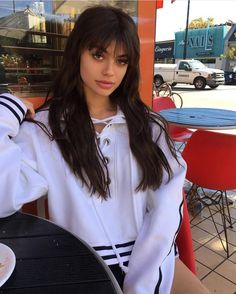 F-ck it, I'm rolling the dice on Kelsey Calemine HQ Photos) Hairstyles With Bangs, Pretty Hairstyles, Hair Inspo, Hair Inspiration, New Hair, Your Hair, Kelsey Calemine, Dark Hair, Hair Goals