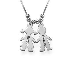Let us engrave your loved one's names on this Gold Plated Mom Charm Necklace. Each necklace can be ordered with multiple personalized boy/girl charms. Necklace Types, Name Necklace, Pendant Necklace, Engraved Necklace, Metal Necklaces, Plaque, Mother Gifts, Personalized Jewelry, Rose Gold Plates