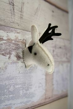 April and May| Felted deer head by PlanetFurvar ultimaFecha = '17.3.10'