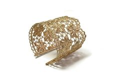 rose gold wedding bracelet rose gold cuff lace by MyElesi Lace Bracelet, Wedding Bracelet, Cuff Bracelets, Armband Rosegold, Gold Armband, Lace Jewelry, Metal Jewelry, Lace Art, Bobbin Lace