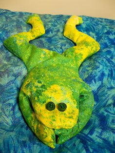 Sew Sisters Quilt Shop: Fat Quarter Froggy Tutorial