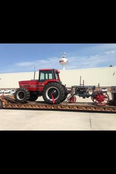 The 1st  Last IH Case Tractors, Farmall Tractors, International Tractors, International Harvester, Red Tractor, Classic Tractor, Vintage Tractors, Case Ih, Hot Rides