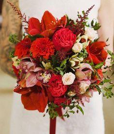 Modern Sophisticated Bridal Bouquet Ideas - Weddbook