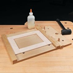 Woodworking Jigs Frame Assembly Made Easy Wood Projects For Beginners, Easy Wood Projects, Easy Woodworking Projects, Woodworking Techniques, Woodworking Jigs, Woodworking Furniture, Wood Jig, Wood Tools, Tricks
