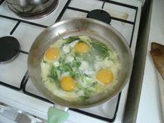 Pissenlits aux oeufs, une recette de printemps très facile et appétissante ;-) #pissenlit