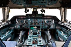 The controls of the AN-124.