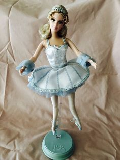 Mattel - Barbie Doll - 1999 Barbie as Snowflake in The Nutcracker Classic Ballet #Barbie #DollswithClothingAccessories