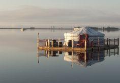 Passer ses vacances d'été dans une yourte flottante en Gaspésie Camper, Lac Saint Jean, Road Trip, Canada, Le Havre, Parc National, Travel Goals, House Styles, Building