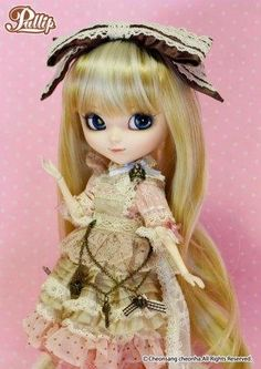 Pullip Romantic Alice: Pink Version -- I doubt I will actually get her, but she is lovely!