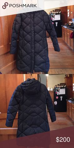 North Face winter coat North Face winter coat, size small. Very warm down jacket. I am very short and I didn't like where the coat hit me on my legs, so I have decided to sell it. This coat is very high quality!!! North Face Jackets & Coats Puffers