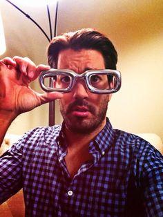 Do glasses make me look smarter? #FunOnSet