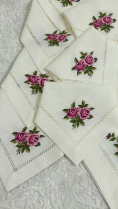 This Pin was discovered by şer Hardanger Embroidery, Silk Ribbon Embroidery, Cross Stitch Embroidery, Hand Embroidery, Cross Stitch Designs, Cross Stitch Patterns, Bordado Floral, Booties Crochet, Cross Stitch Rose