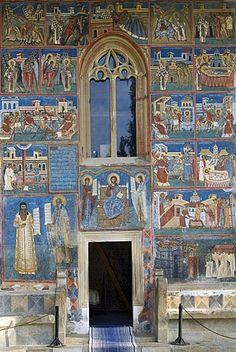 Iglesia de San Jorge de la Voronet Monasterio, fachada sur con escenas de la vida de los Santos Nicolás y San Juan Nuevo, patrimonio de la humanidad, del sur de Bucovina, Moldavia, Rumania, Europa