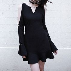 [Reservation]Black Gothic Fitting Dress with Open Sleeves SP179113