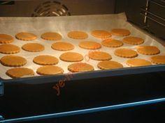 Zencefilli Tarçınlı Kurabiye Homemade Beauty Products, Special Recipes, Griddle Pan, Slow Cooker Recipes, Gingerbread Cookies, Cookie Recipes, Cinnamon, Food And Drink, Favorite Recipes