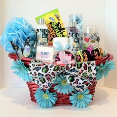 Teen gift basket designed for just teens. A very trendy gift basket all a girl will need. Blueberry Shower Gel Body lotion Body Scrub Bath Fizz Wash Cloth Body Sponge Wine Glass Soap Rose Petals A Pair of Socks Fits Sour Patch Sour Then Sweet Teen Gift Baskets, Easter Baskets, Cute Gifts, Diy Gifts, Presents For Friends, Teen Presents, Birthday Gifts For Teens, Birthday Parties, Teen Girl Gifts