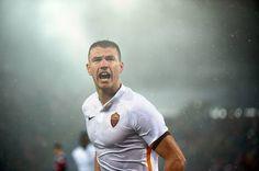 TUTTO CALCIO : Calciomercato Roma, Dzeko vicino all'addio: i dett...