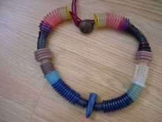 Free tutorial with pictures on how to make a button necklace in under 45 minutes by jewelrymaking with thread, buttons, and needle. How To posted by Lost Penguin. Diy Buttons, How To Make Buttons, Button Art, Button Crafts, Button Necklace, Beaded Necklace, Kids Bracelets, Friend Bracelets, Crafts For Seniors