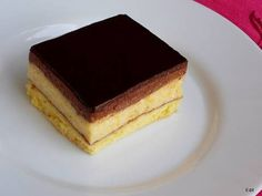 Mennyei Albán krémes recept! Nagyon-nagyon finom krémes süti. Ajánlom szeretettel.