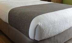 HSD Windsor Chenille Bed Scarf, Queen Size. Upscale design for hotel bedding.