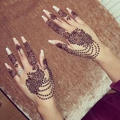 Ideas bridal mehendi designs pakistani for 2020 Henna Hand Designs, Bridal Mehndi Designs, Henna Tattoo Designs, Modern Henna Designs, Arte Mehndi, Henna Mehndi, Easy Mehndi, Henna Party, Indian Wedding Henna