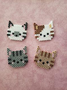 Cat Beads Bead Head by PerlerCreationsShop on Etsy – Bügelperlen – Hama Beads Perler Bead Designs, Hama Beads Design, Pearler Bead Patterns, Diy Perler Beads, Perler Bead Art, Perler Patterns, Pearler Beads, Fuse Beads, Loom Patterns