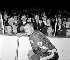 March 1928 - Gordie Howe was born In this Nov. 1963 file photo, the Detroit Red Wings' Gordie Howe Detroit Sports, Boston Sports, Hockey Hall Of Fame, Red Wings Hockey, Latest Sports News, Detroit Red Wings, Sports Photos, Hockey Players, Ice Hockey
