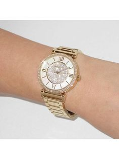 Fashion Tips And Tricks For You To Dress Your Best *** Read more at the image link. Fashion Advice, Fashion Ideas, Watches, Lady, Michael Kors Watch, Gold Watch, Image Link, Womens Fashion, Classic