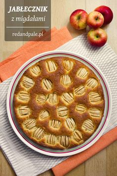 Jabłecznik z migdałami + wersja na Thermomix / Apple Pie with almonds + Thermomix version of recipe (in Polish)