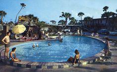 Sahara Motel Daytona Beach FL 1215 North Atlantic Avenue on Scenic Ocean Route 1960 Retro Swim, Old Country Churches, Daytona Beach, Summer Time, Summer Days, Route 66, Motel, Old Pictures, Palm Springs