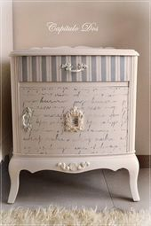 Great Pics Shabby Chic Bedrooms kids Concepts Before years, the ornamental expr… – Furniture Makeover Funky Painted Furniture, Decoupage Furniture, Refurbished Furniture, Paint Furniture, Repurposed Furniture, Shabby Chic Furniture, Furniture Projects, Shabby Chic Decor, Furniture Makeover