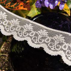"1¼"" Floral Scalloped Lace Edging - Light Beige | Lace Trim"