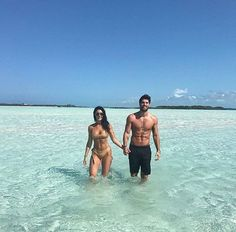 Nick and Maria Fit Couples, Cute Couples Goals, Romantic Couples, Couple Goals, Couple Beach Pictures, Beach Photos, Couple Photos, Relationship Goals Pictures, Cute Relationships