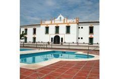 Hotel Rural Caserío de Iznájar en #Iznájar (#Córdoba) tiene una de las mejores vistas sobre el mayor #embalse de #Andalucía. Con Wonderbox, podrás disfrutar de dos noches en habitación doble con desayuno continental y apreciar el encanto de los patios andaluces #WonderPlan #encanto