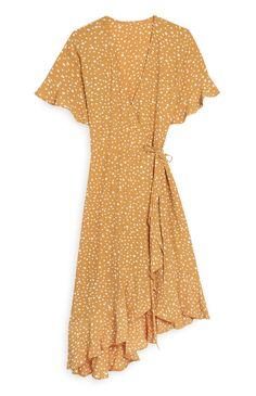 18 Primark - Vestido cruzado a media pierna amarillo