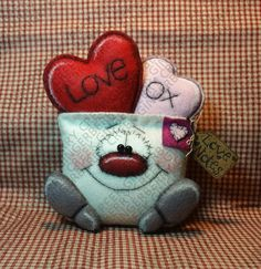 E-Pattern - Sending Love Notes Pattern - Primitive Doll E-Pattern - Valentine - Envelope - Hearts - Love - OXOX - English Only Valentine Crafts, Valentines, Old Baby Clothes, Primitive Doll Patterns, Love Notes, Felt Ornaments, Felt Crafts, Wool Felt, Fiber Art