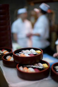 Sushi sets for lunch - you can try a bit of everything | ShootTokyo