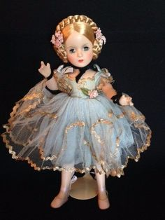 Porcelain Stories From China To Europe Key: 7576434211 Porcelain Dolls For Sale, Porcelain Dolls Value, Fine Porcelain, Porcelain Jewelry, Porcelain Ceramics, Porcelain Tiles, Painted Porcelain, Hand Painted, Antique Dolls