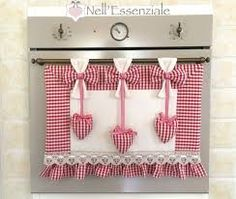 Resultado de imagem para Copriforno Baby Girl Quilts, Girls Quilts, Christmas Fashion Outfits, Baby Nap Mats, Fashion Wallpaper, Mini Quilts, Decoration, Fabric Crafts, Valance Curtains