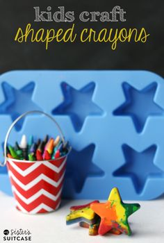 Shaped crayons would be great for holiday gifts, party favors, etc. Kids Craft : Make Your Own Shaped Crayons. Use up your broken crayons to make this fun craft - an easy afternoon project to do with your kids! Fun Crafts For Kids, Projects For Kids, Diy For Kids, Crafts To Make, Diy Projects, Vbs Crafts, Creative Crafts, Broken Crayons, Diy Crayons