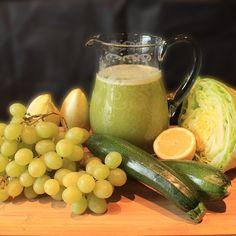super lecker, total frisch #trauben #weintrauben #eisberg #zucchini #chicoree #zitone #juiceporn #lecker #gesund