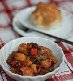 Pork Menudo Pinoy version - Pork stewed in heavy tomato sauce    http://filipino.feastasia.com/pork-menudo/
