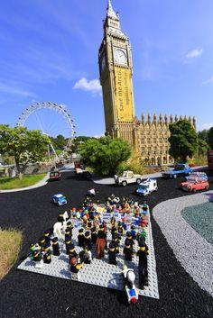 Shell už teď Arktidu ohrožuje těžbou ropy. Nyní si prostřednictvím oblíbených hraček snaží vybudovat dobrou pověst u dětí, jejichž náklonnost si nezaslouží. Řekněte firmě LEGO, aby ukončila partnerství se společností Shell  ►►► www.legoblockshell.org