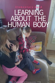 The human body gives you a lot of learning to do. There is a lot to it, and so many different ways you can teach your kids more about it, from books to hands on experiments and TV shows and videos. Science Curriculum, Homeschool Curriculum, Homeschooling Resources, Kindergarten Activities, Science Activities, Parenting Humor, Parenting Tips, Homeschool High School, Easy Science