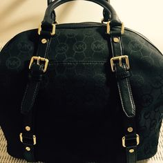 """Michael Kors Bedford Satchel  TRADE Ava Large bag 12"""" down 15"""" across depth 5.5""""! Black signature material!  Leather strapping, cross over strap, and gold fixture! NWOT Michael kors  Bags Satchels"""