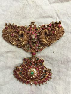 gold and precious stone annapakshi pendant New Gold Jewellery Designs, Ruby Jewelry, India Jewelry, Gold Jewelry, Jewelry Design, Temple Jewellery, Beaded Jewelry, Gold Necklace, Gold Pendent