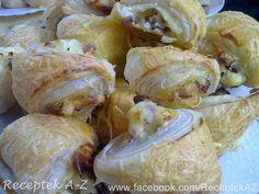 Sajtos szalonnás falatok recept - MindenegybenBlog Shrimp, Garlic, Cabbage, Bacon, Meals, Vegetables, Food, Eve, Meal