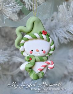 Handcrafted Polymer Clay Snowman Ornament di MyJoyfulMoments