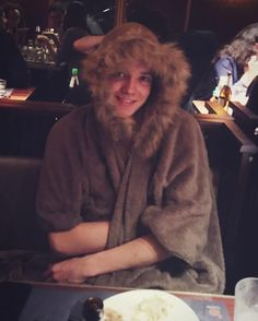 "82.4 mil Me gusta, 1,712 comentarios - Asa Butterfield (@asabopp) en Instagram: ""#cozy"""